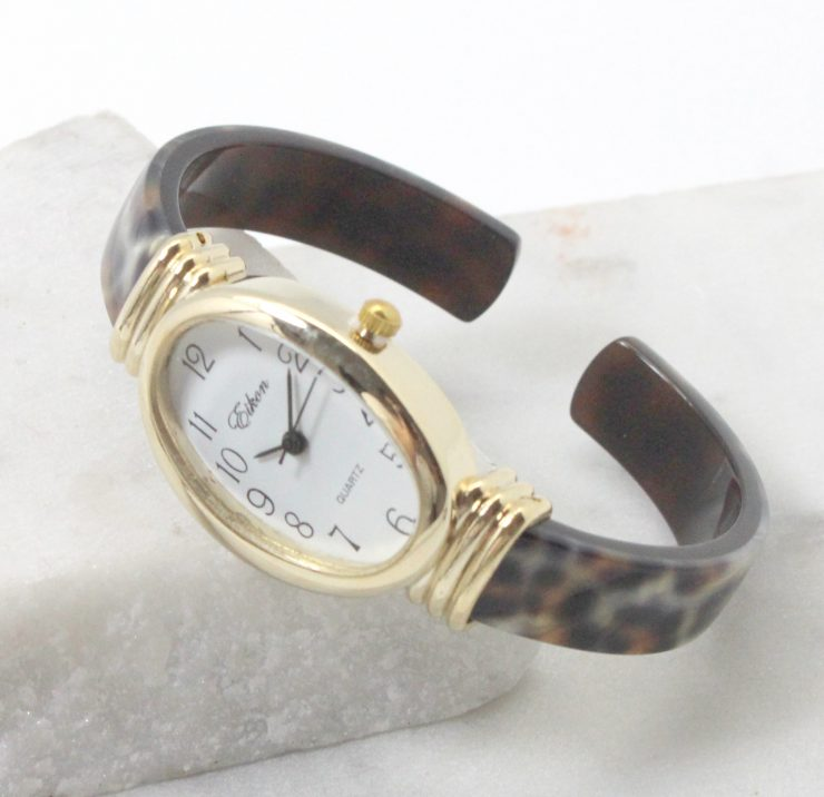 A photo of the Leopard Oval Face Watch product