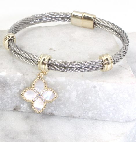 A photo of the Clover Bangle Bracelet product