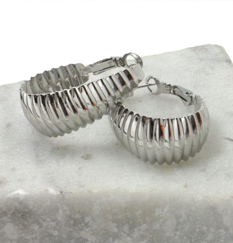 A photo of the Crinkled Hoop Earrings product