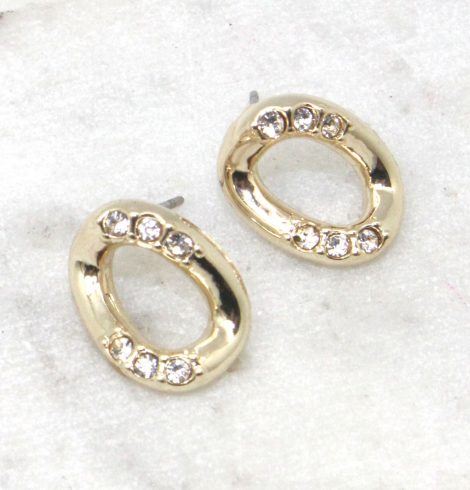 A photo of the Gold Link Stud Earrings product