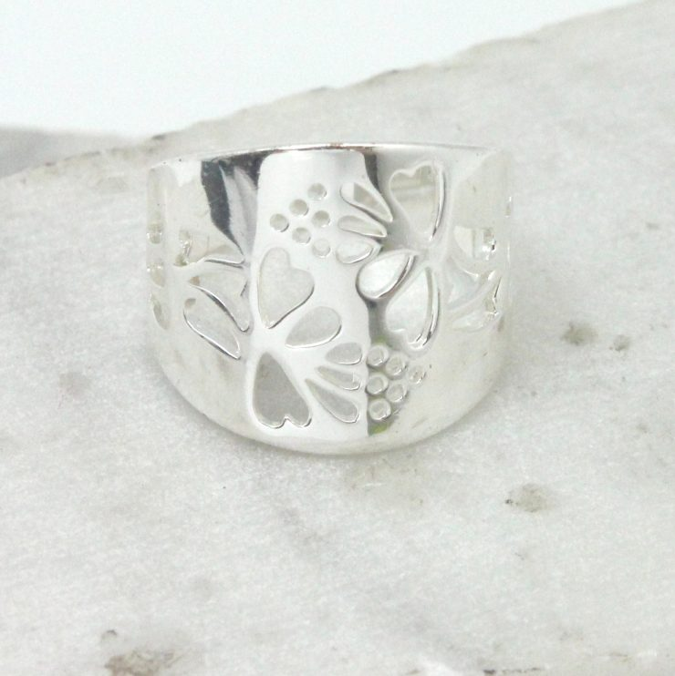 A photo of the Cutout Heart Leaf Ring product
