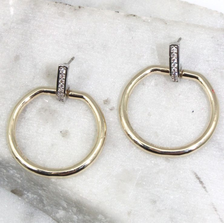 A photo of the Round Link Earrings product