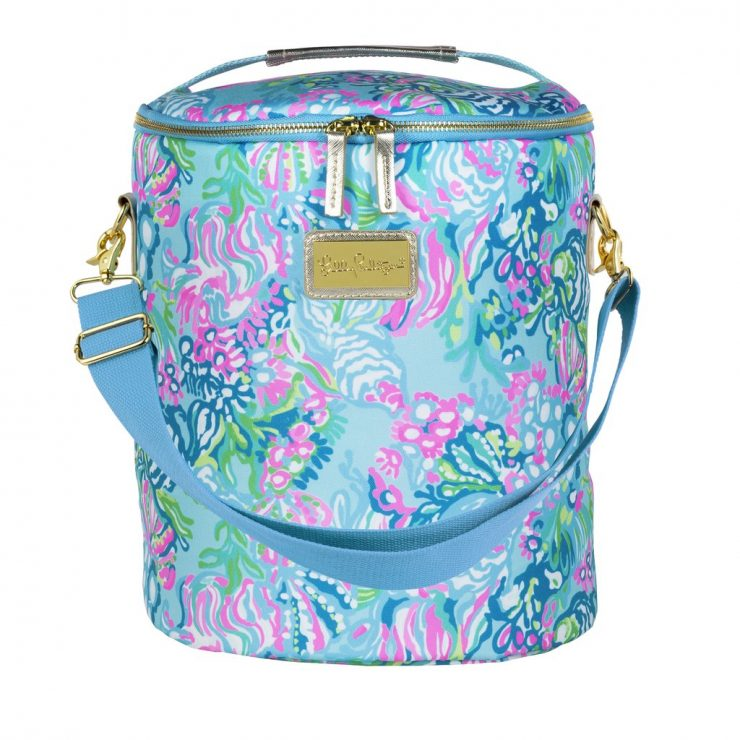 A photo of the Lilly Pulitzer Beach Cooler in Aqua La Vista product