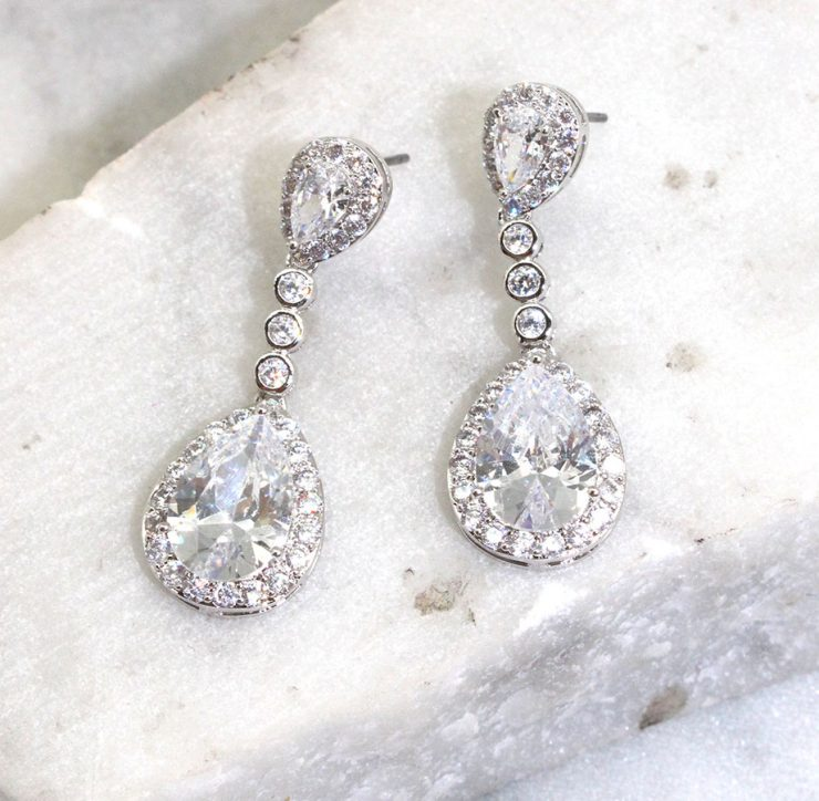 A photo of the Crystal Drop Earrings product