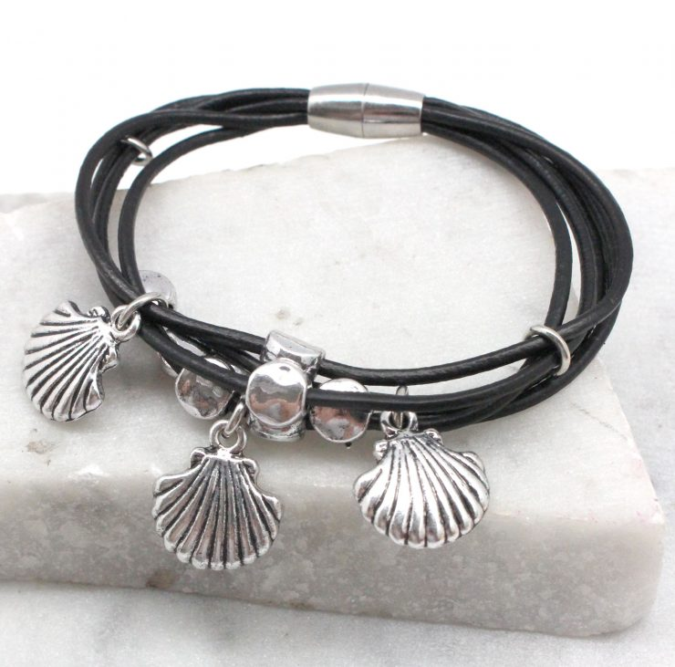 A photo of the Little Shells Bracelet product