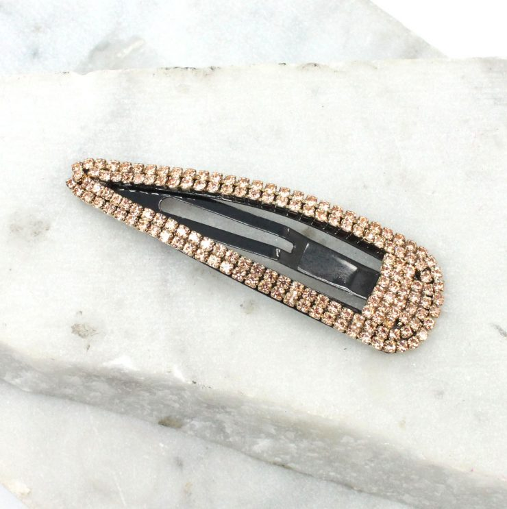 A photo of the Rhinestone Snap Barrette product