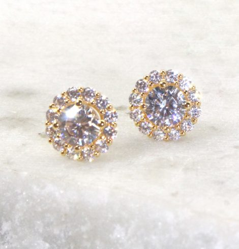 A photo of the Simplicity Stud Earrings product