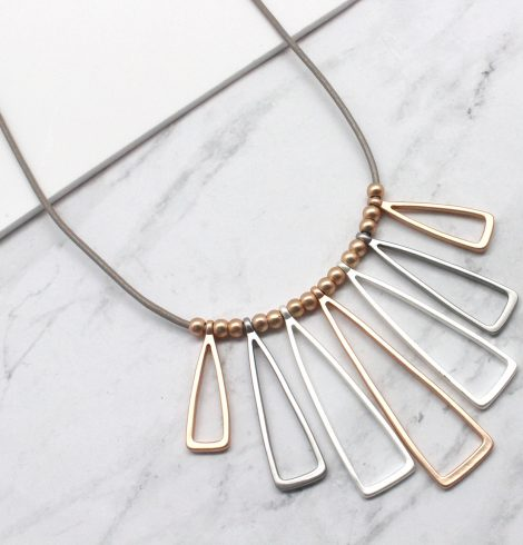 A photo of the Tani Necklace product