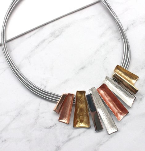 A photo of the Tones Necklace product