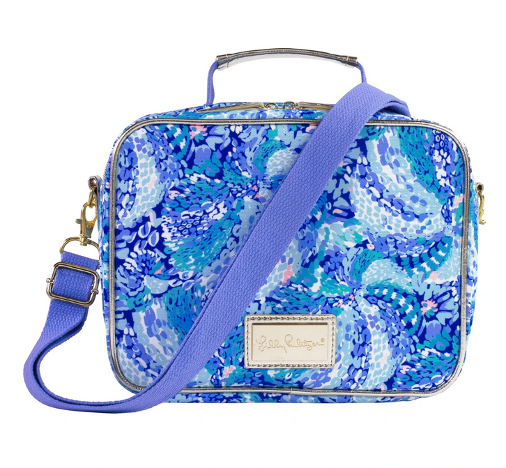 A photo of the Lilly Pulitzer Lunch Bag in Wave After Wave product