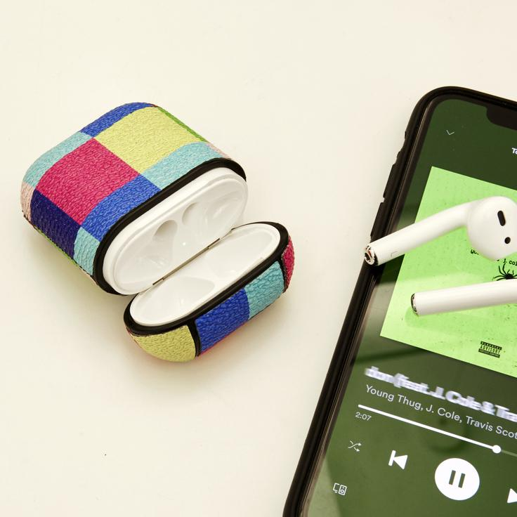 A photo of the Plaid Earbud Case product