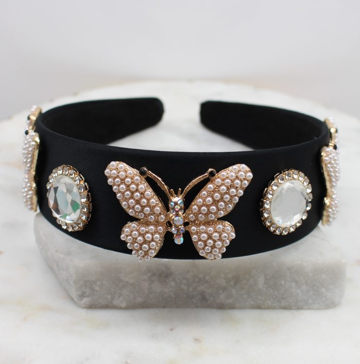 A photo of the Butterfly Effect Headband product