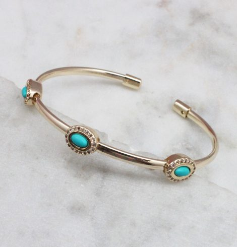 A photo of the Turquoise Oval Bracelet product