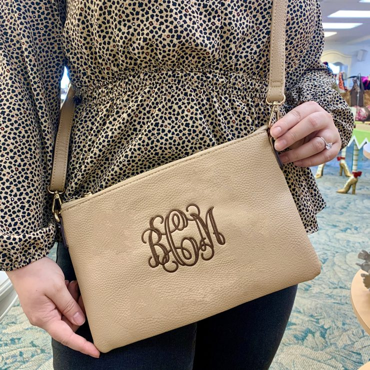 A photo of the Kendal Crossbody/Wristlet product